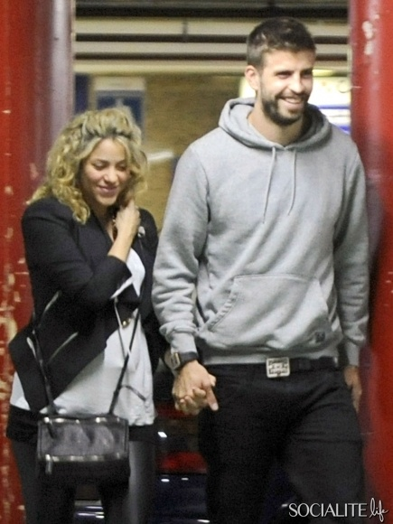 Pregnant singer Shakira and her boyfriend soccer player Gerard Pique go to the movie theater to watch Skyfall in Barcelona, Spain!
