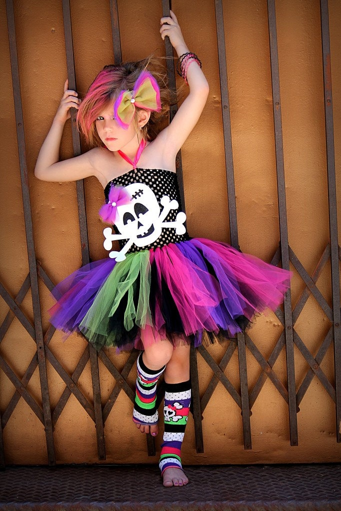 Skull Punk Rocker n tutu dress...adorable freaking love this perfect photo shoot with the girls!