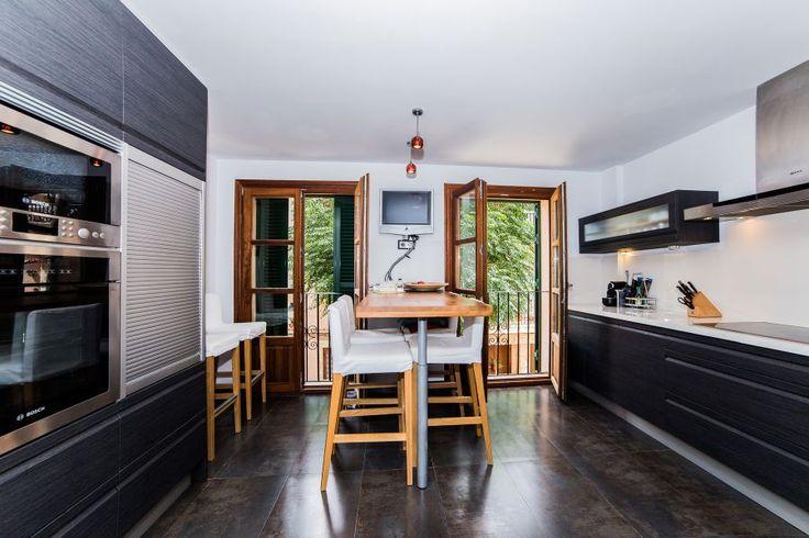 Valldemossa, West Coast: Modern duplex-apartment with terrace in Valldemossa. 2 bedrooms, 2 bathrooms, 1 200 €/ month.