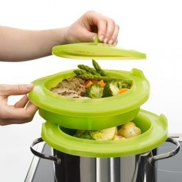 Vaporera - Mesa Puesta.Permite cocer al vapor toda clase de alimentos,de la forma más sana y sabrosa,porque la comida no se encuentra en contacto con el agua.Con dos niveles. Super práctica!