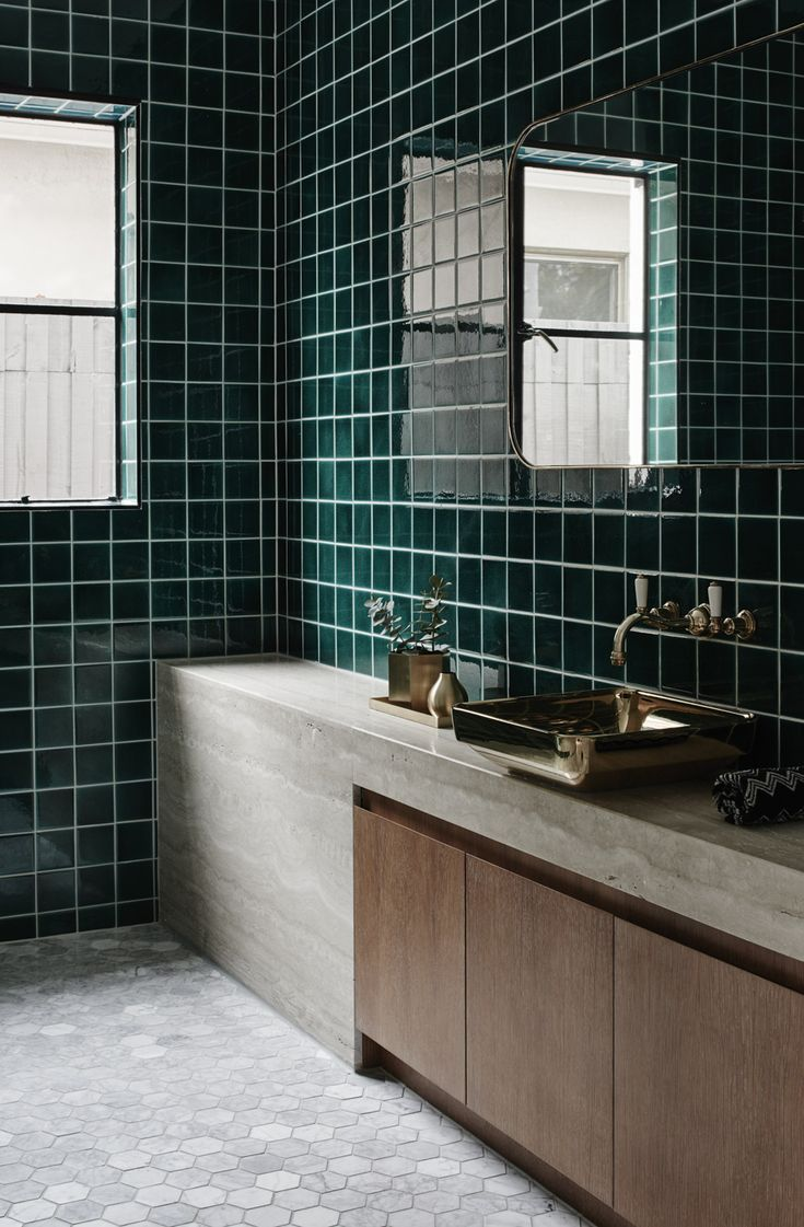This is a seriously swoon inducing bathroom for a dark green and glamorous look like this one go for venetian green tiles in a size