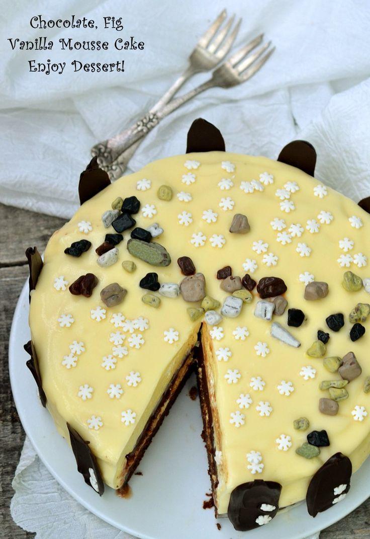 Tort cu mousse de vanilie, ciocolata si smochine