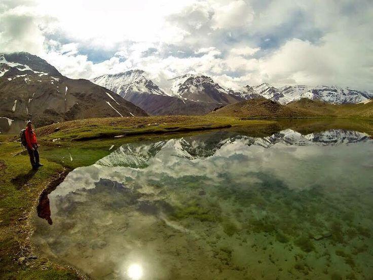 Las Termas del Plomo están en el Cajón del Maipo, insertas en medio de la Cordillera de Los Andes y son unas pozas naturales de agua termina...