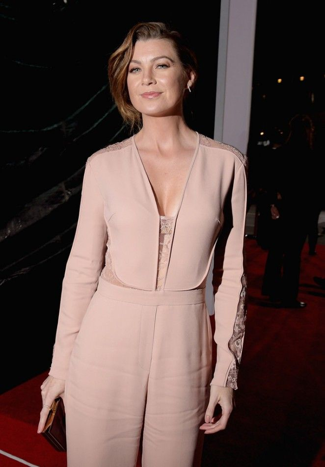 'Grey's Anatomy' actress Ellen Pompeo attended the 2015 People's Choice Awards in LA, and wore an Elie Saab Resort 2015 jumpsuit. The ro...