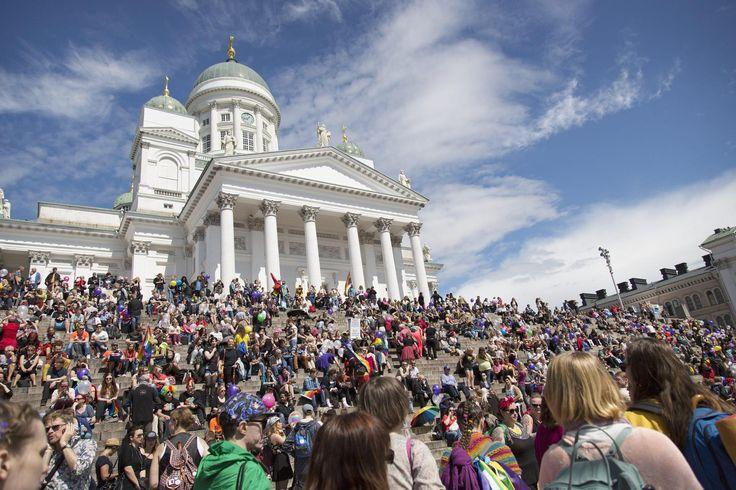 Helsingin hiippakuntavaltuusto: Homopareja voidaan alkaa vihkiä Helsingissä ja Vantaalla maaliskuussa 2017 | Sukupuolineutraali avioliittolaki | HS