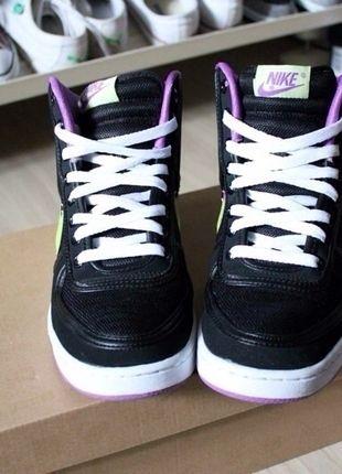 A vendre sur #vintedfrance ! http://www.vinted.fr/chaussures-femmes/baskets/769211-basket-montante-nike-noir-et-violet