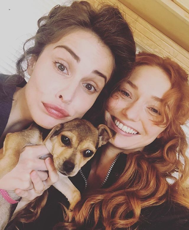 "HEIDA REED ON TWITTER: ""Puppy on set!!!!!"" <3"