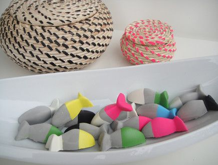 Amazing ikea diy-  painted concrete fishes made from ikea ice tray