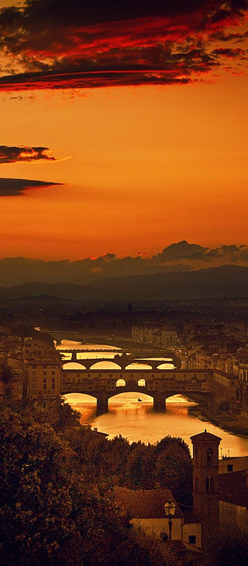 Four Bridges of Florence over the Arno River, Italy  (by Giuseppe Torre)