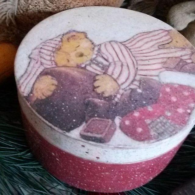 Бонбоньерка для рождественских сладостей или подарков. Деревянная шкатулка 21 см.  1800 руб.