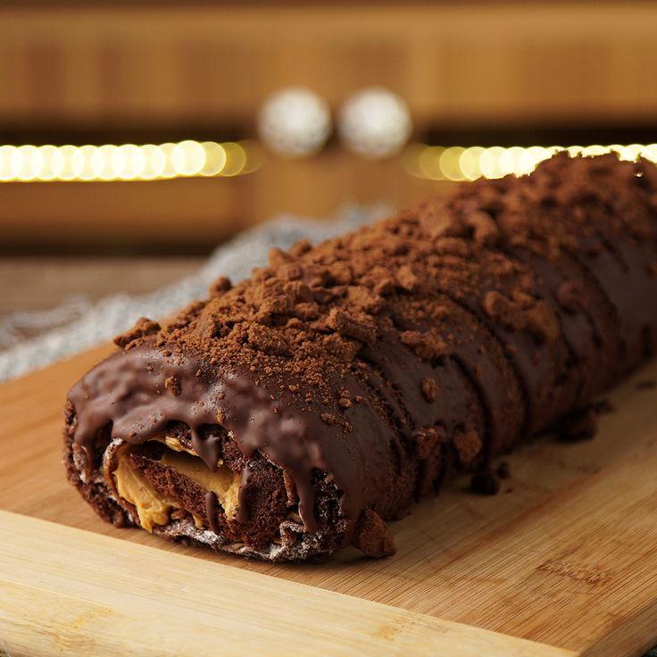 Schokoladen- und Dulce de Leche-Rollenkuchen