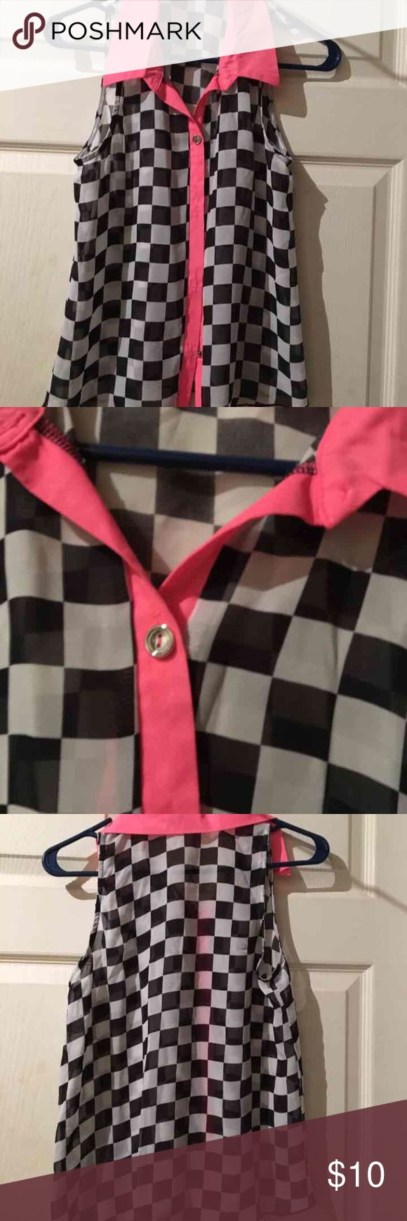 Black & White Sleeveless Shirt Black and white checkered Sleeveless Top Body Central Size S   Price dropped it is firm. Body Central Tops Button Down Shirts