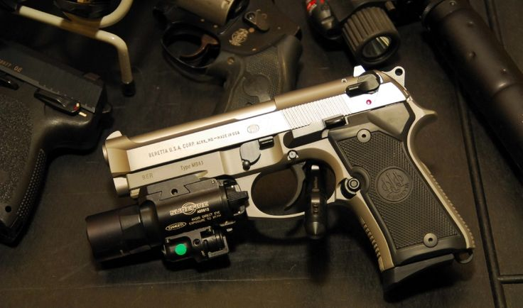 Beretta 92fs compact Find our speedloader now!  http://www.amazon.com/shops/raeind