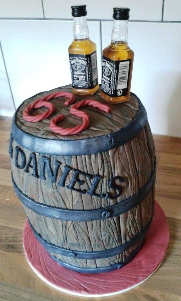 Ein Fass Jack Daniels, 25 cm hoch und über 4 Kg schwer. :-)