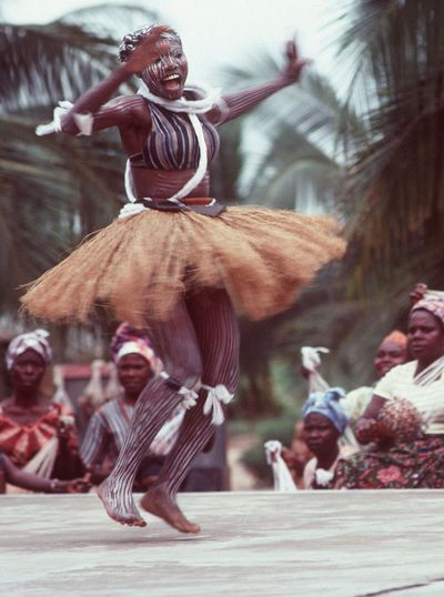 African dance lessons paced for beginners.