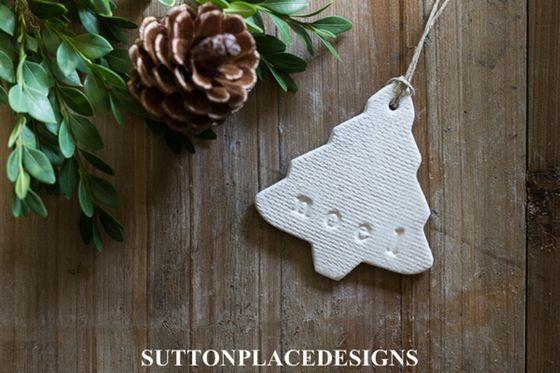 "Image of Set of 2 Handmade Christmas Tree Clay Tags ""noel"""