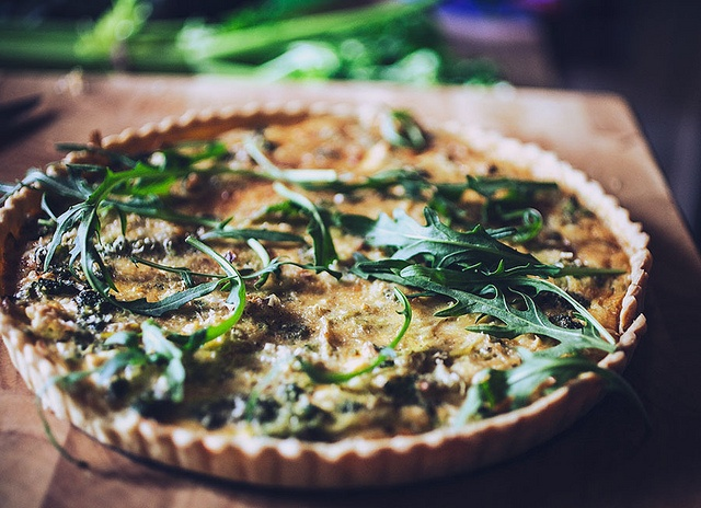quiche: Arugula Mushrooms, Fun Food, Food Cravings, Mushrooms Tarts, Design Pres Food, Men Eating, Broccoli Quiche, Foodies Friday, Eating Quiches
