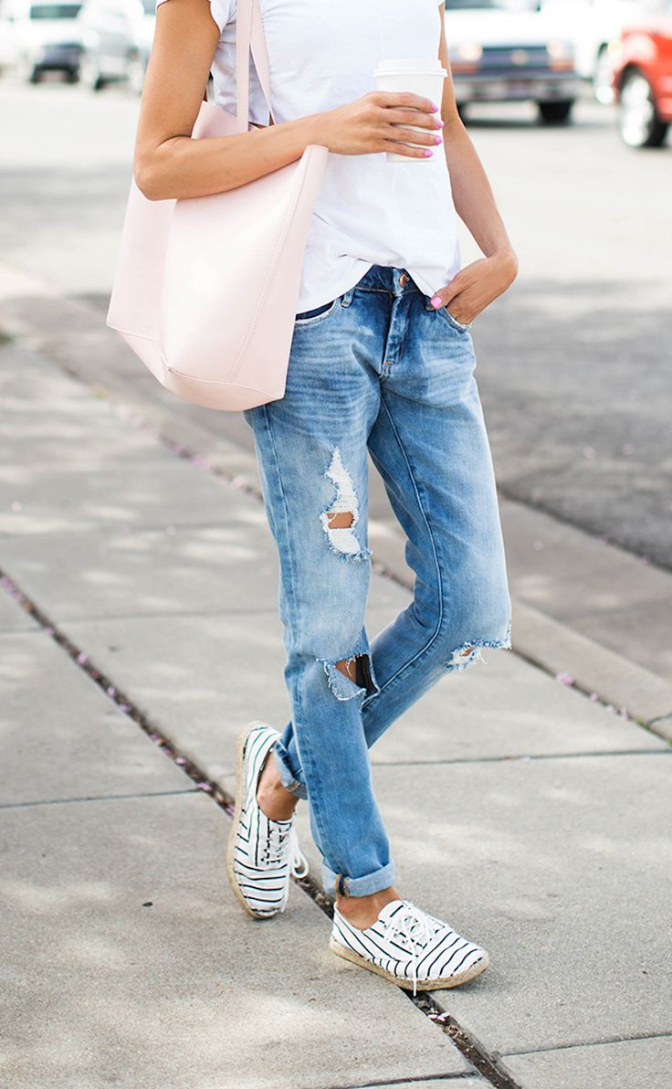 For a casual weekend look, pair your espadrilles with distressed denim and a white tee. Blush accessories add a feminine touch to your casual chic look.