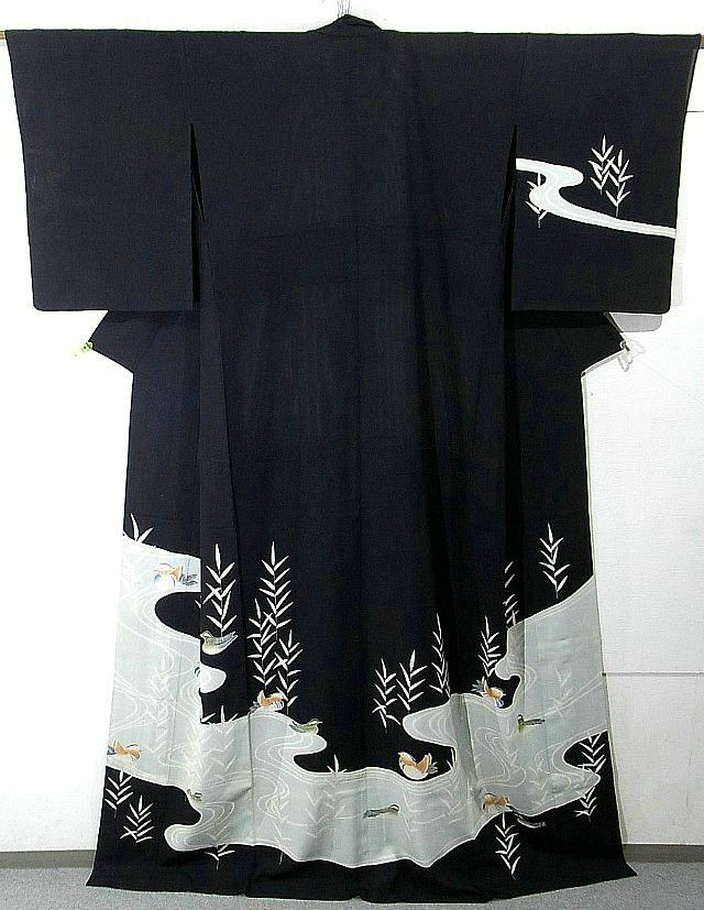 tsmskimonoyokubo:        http://www.ichiroya.com/item/list2/211209/  Geisha's summer kimono