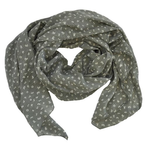 #Scarves add an instant update to you look #NicciSS17