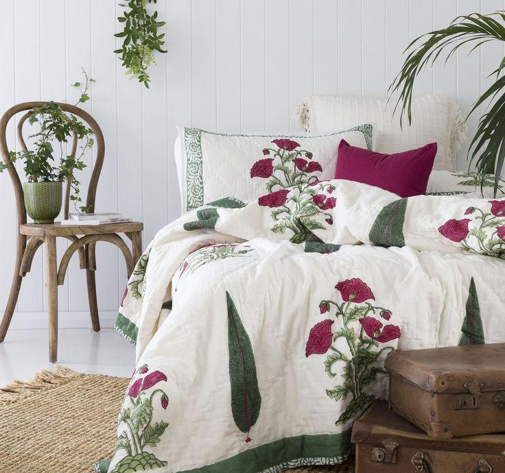 Poppy Green Quilt/ Bedspread