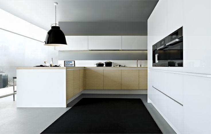 Maison Grace: Varenna Alea Kitchens