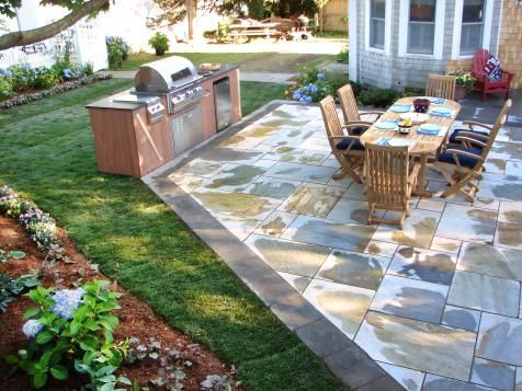 78 best ideas about small outdoor kitchens on pinterest for Outdoor kitchen ideas for small spaces
