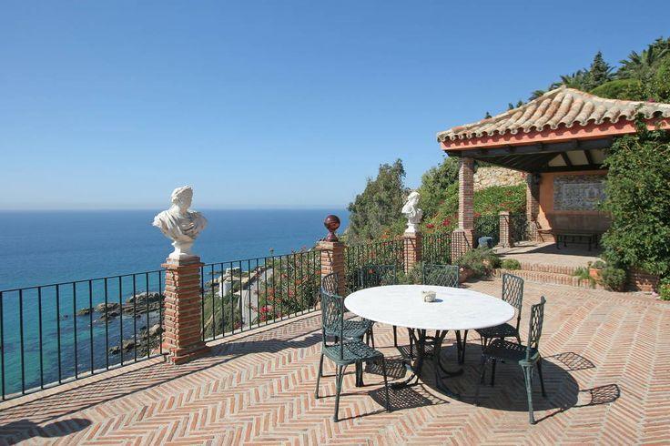 Se lige det her fede opslag på Airbnb: Villa Guatavita XL,  14/17 personas - Huse til leje i Zahara de los Atunes