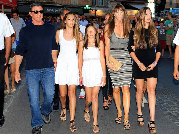 Sylvester Stallone Surrounded by Beauties in Saint-Tropez (his wife, Jennifer Flavin and their daughters)