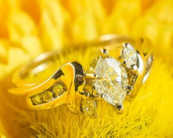 VIntage Antique 14KT Yellow Gold .55ctw Marquise Cut SI2/H Diamond Engagement Wedding Ring Set Size 6 - 4.1 grams