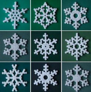 sneeuwvlokjes van strijkkralen