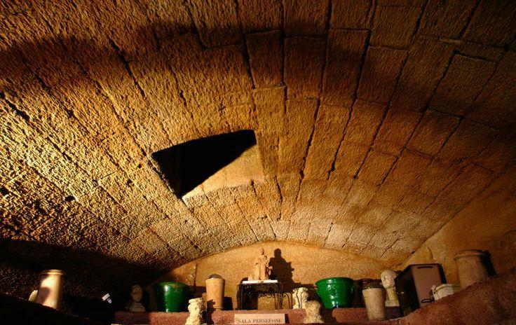 Ipogeo de Beaumont Bonelli Bellacicco (Taranto Sotterranea - Taranto Underground) Salento,  Borgo Antico di Taranto:la città Spartana
