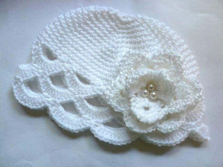Häkeln Babymütze White Rose von Knits for Kids auf DaWanda.com