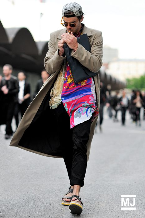 #ARKLOVES streetstyle : DRIES VAN NOTEN | More outfits like this on the Stylekick app! Download at http://app.stylekick.com