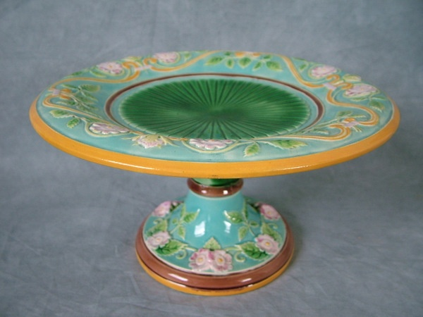 George Jones majolica cake stand ... & 692 best Antique Cake Stands images on Pinterest | Cake plates ...