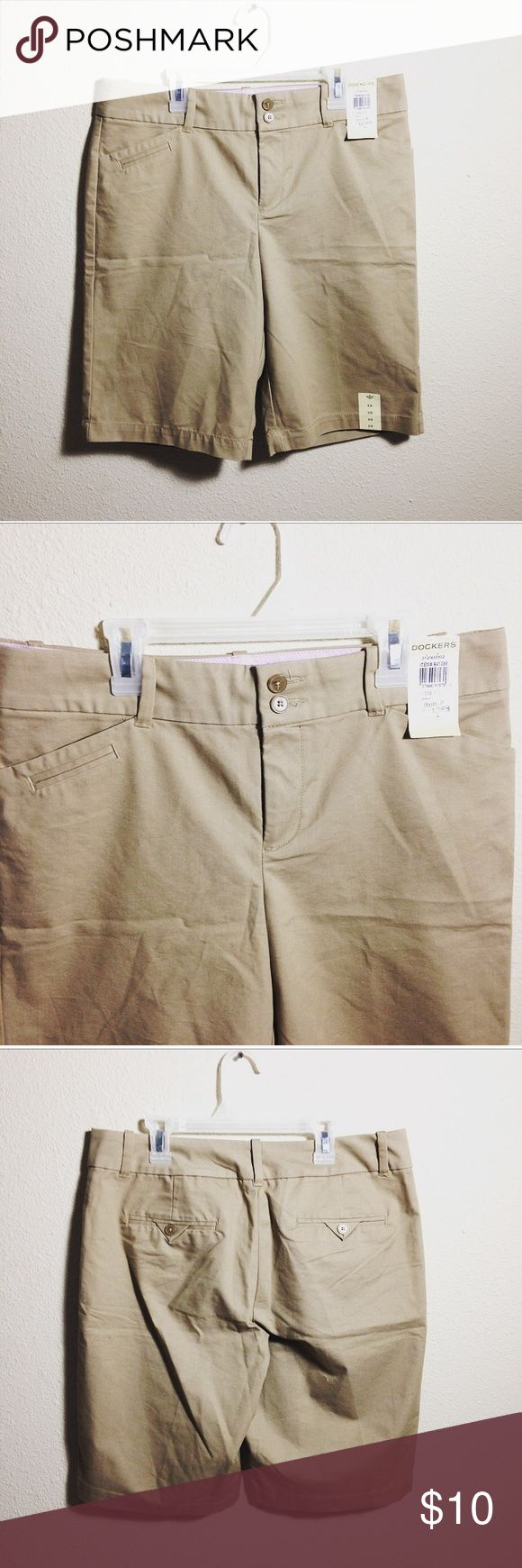 🍄 Women's Docker khaki shorts Women's khaki longer style shorts, size 10 NWT. Dockers Shorts