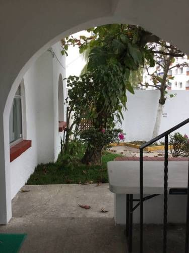 Casa Lolita Boca del R�o Casa Lolita offers accommodation in Boca del R?o, 11 km from Veracruz and 42 km from Chachalacas. Guests benefit from patio and a year-round outdoor pool. Free WiFi is provided throughout the property.