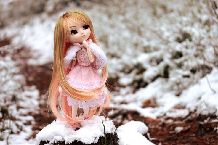 Look! Its snowing.. | by Siniirr