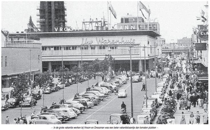 Beursplein bij V en D waar toen nog gereden en geparkeerd werden en C & A was gevestigd.