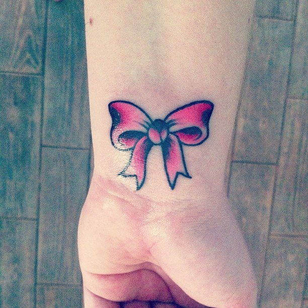 Pink Ribbon Tattoo Pictures: Bow Tattoo Designs, Pink Ribbon
