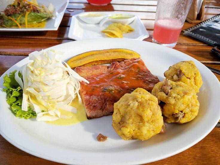 Un combinado Loretano por la fiesta de #SanJuan que viva la selva peruana y si exquisita comida #InstafoodPeru #ComidaPeru #PeruvianFood  #Iquitos #Loreto #LatePost