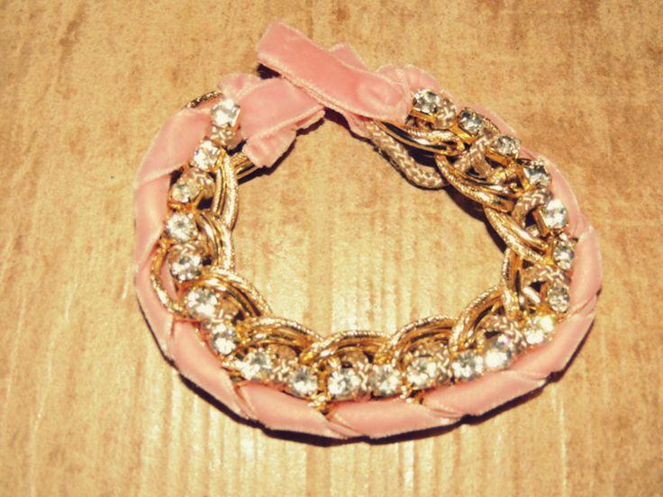 Handmade velvet bracelet with strass.