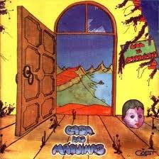 Esse disco de 1975 é considerado por publicações internacionais (leia-se européias) especializadas em rock progressivo como um dos 100 melhores discos de progrock de todos os tempos. Exageros a parte, um ótimo disco de uma grande banda, Casa das Máquinas. A primeira música servia como chamada na mítica rádio Fluminense FM, A Maldita.