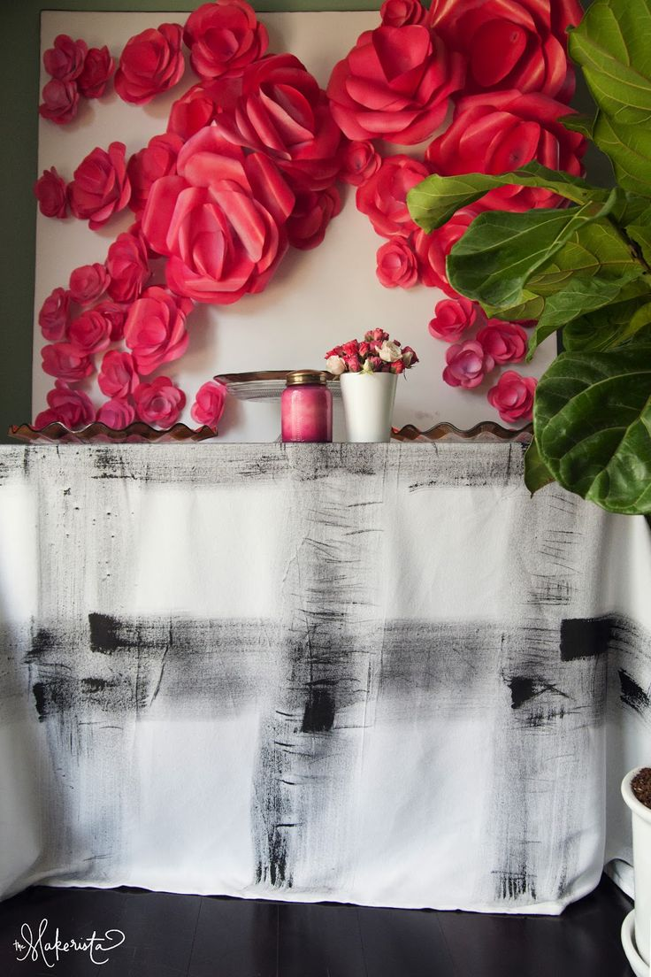 The Makerista: Milly Turns 1.  DIY tablecloth and flower backdrop