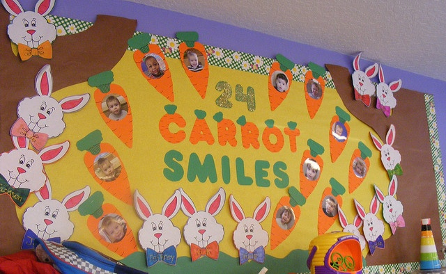 Carrot smiles: Cool Bulletin Boards, Books Display, 24 Carrots, Easter Bulletin, Bulletinboard, Spring Preschool, Spring Bulletin Boards, Carrots Smile, Boards Ideas