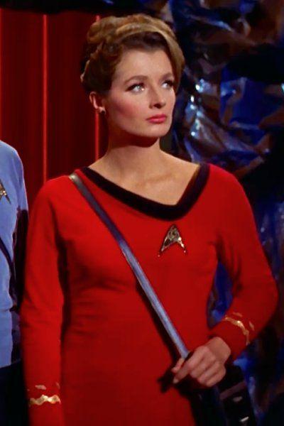 Doctor Ann Mulhall (Diana Muldaur)