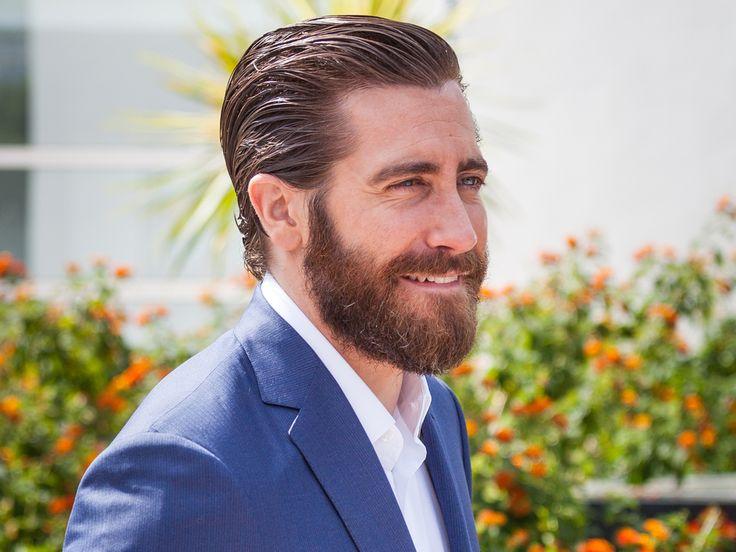 """Als Model für Calvin Klein präsentierte der Schauspieler Jake Gyllenhaal eine ganz andere Seite von sich. Er posierte jetzt mit weiblicher Unterstützung für die weltweite Kampagne """"Eternity"""". Justin Bieber hat es getan, Mark Wahlberg ebenso und auch Eva Mendes hat sich getraut. Schon..."""