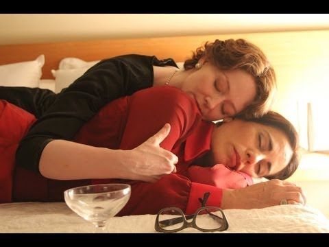 Reaching for the Moon TrailerReaching for the Moon tells the story of the explosive love affair between Pulitzer Prize winning poet Elizabeth Bishop (Mirnada Otto) and Brazilian architect Lota de Macedo Soares (Gloria Pires) in 1950s Brazil. Directed by Bruno Baretti.
