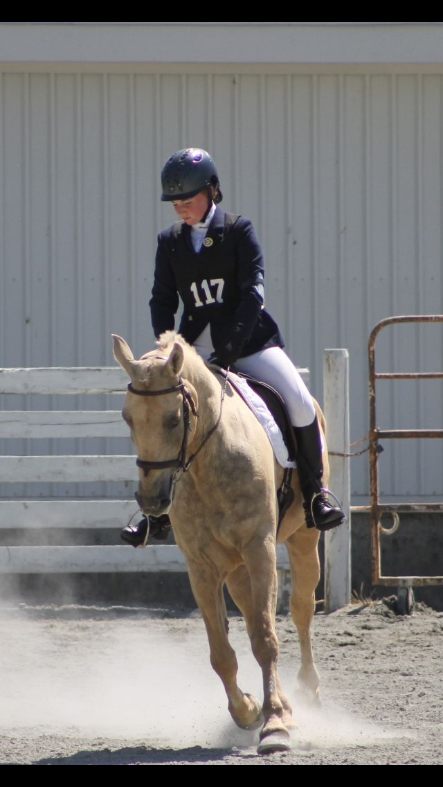 Don't mind my face  but look at my pony in this picture