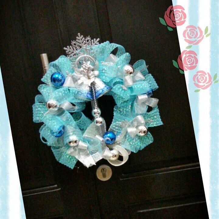Frozen Christmas wreath IG belviore flowers